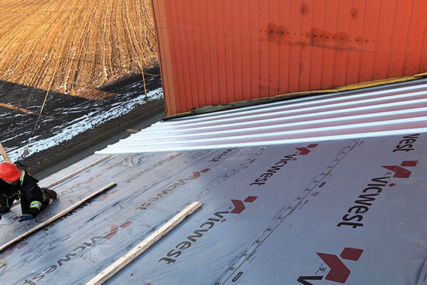 New-Metal-Roofing-on-a-Grain-Elevator-2